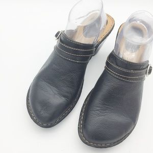 Cherokee Leather Clog Mules